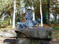 skulpturenweg_hirtenbrunnen.jpg